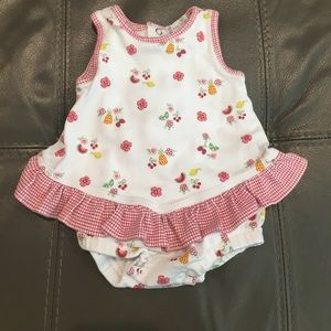 Kissy Kissy EUC Ruffled top and bottoms (Bubble)